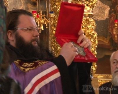 Делегация Мальтийского Ордена передала Смоленской епархии ковчег с мощами великих святых