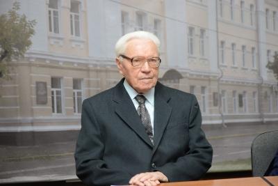 Знаменитый смоленский археолог Евгений Шмидт празднует свое 95-летие