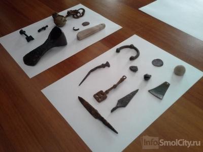 В Смоленске археологи обнаружили уникальный предмет для письма