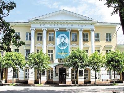 В Смоленске выступил всемирно-известный джазовый пианист Даниил Крамер
